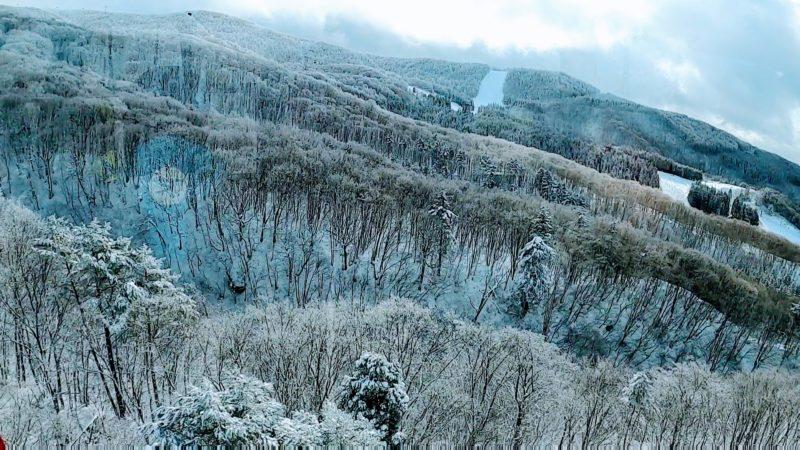 【ハイシーズンの大晦日 楽しい全面良質の雪】山形蔵王温泉スキー場    Yamagata-Zao-Onsen-Ski-Resort-in-December-is-Fun-with-Good-Quality-Heavy-Snow.jpg