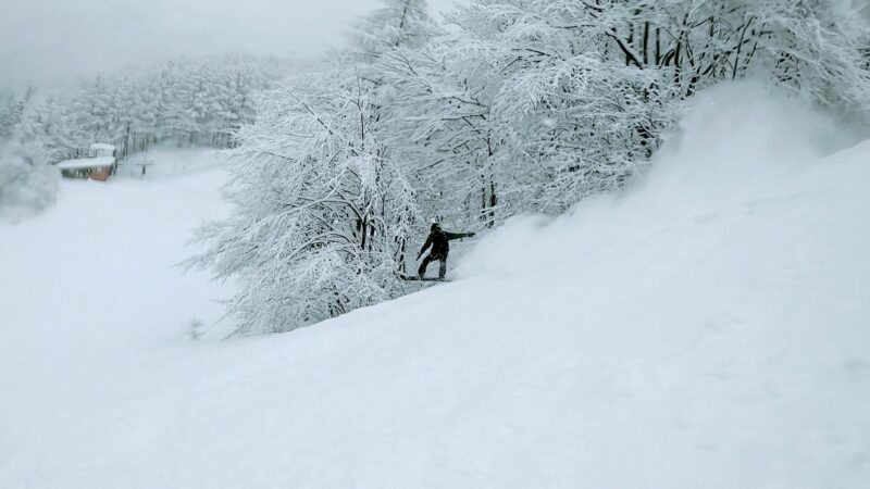 【今季最高の横倉の壁 災害級の大嵐緊急避難】山形蔵王温泉スキー場 Yokokuranokabe-and-Kurohime-Area-Yamagata-Zao-Onsen-Ski-Resort.the-best-of-the-season.jpg