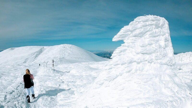 【絶景2月大快晴 真冬の蔵王山熊野岳とお釜】山形蔵王温泉スキー場   Trekking-to-Mt.Zao-and-Okama-in-the-middle-of-winter-with-spectacular-views.jpg