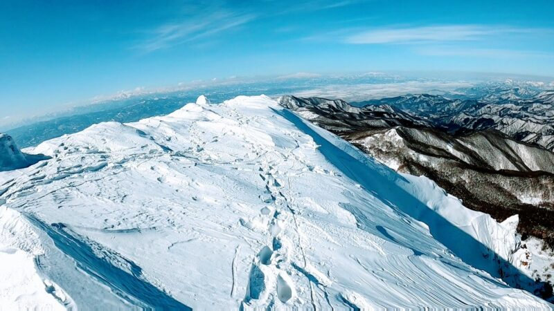 【樹氷が綺麗な場所2つ紹介 2月大快晴絶景】山形蔵王温泉スキー場 A-place-with-spectacular-views-at-Yamagata-Zao-Onsen-Ski-Resort.jpg