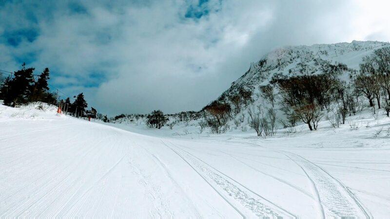 【中央高原トレッキング 五郎岳三郎岳コタン】山形蔵王温泉スキー場  Trekking-to-the-Kotan-area-of-Yamagata-Zao-Onsen-Ski-Resort.jpg