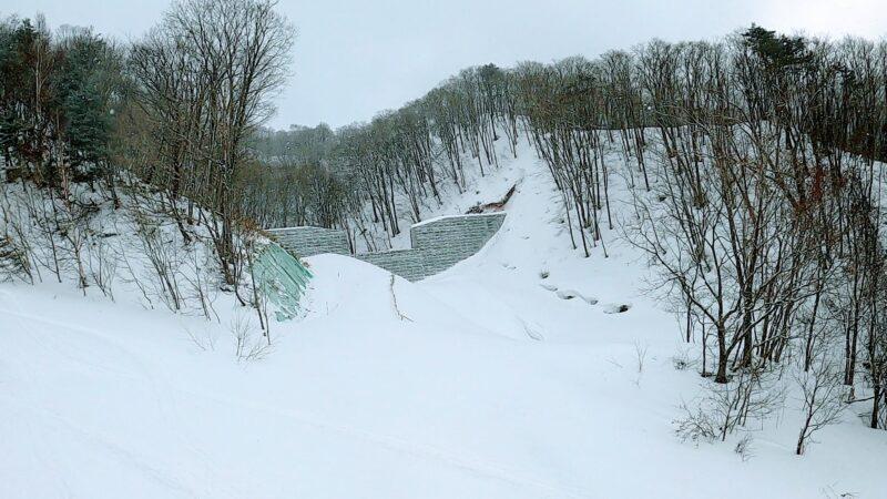 【2月アイスバーン おすすめエリア2選】氷の山形蔵王温泉スキー場 Enjoy-snowboarding-at-the-icy-Yamagata-Zao-Onsen-Ski-Resort.jpg