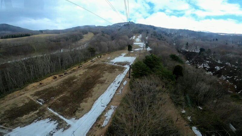 【春の中央ロープウェイ 名物鳥そば鳥中華】4月山形蔵王温泉スキー場  Enjoying-Delicious-Tori-Soba-and-Tori-Chuka-from-the-Central-Ropeway-at-Yamagata-Zao-Onsen-Ski-Resort-in-Spring.jpg