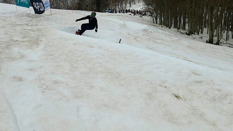 【山形蔵王バンクドスラローム大会】スノーボードファイナルシーズン Snowboarding-Finals-Season-at-Yamagata-Zao-Onsen-Ski-Resort-for-Banked-Slalom-Competition.jpg