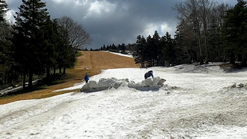 【シーズン最終日の山形蔵王温泉スキー場】5月ロープウェイ春スキー Yamagata-Zao-Onsen-Ski-Resort-in-May.the-last-day-of-the-season.Enjoy-Zao-Ropeway-and-Spring-Snowboarding.jpg