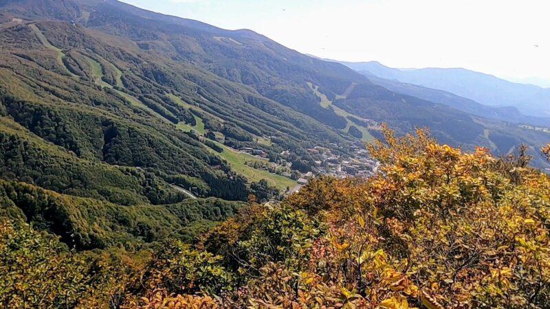 【紅葉見頃の10月空中散歩 秋の瀧山登山道】山形蔵王温泉スキー場  Enjoy-Mt.ryuzan-trekking-and-spectacular-views-from-the-ropeway-at-Yamagata-Zao-Onsen-Ski-Resort-in-October-in-autumn.jpg